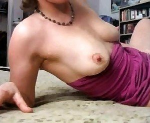 Milf lactating and squirting