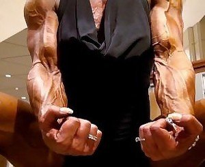 Slow Vascular Bicep Flexing