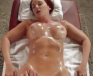 Mature slut wanted sex after hot massage with oil