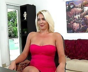 Elegant amateur mom is getting impressed by my size